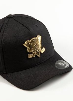 Majestic NHL Anaheim Ducks Gold Enamel 110 Pinch Snapback