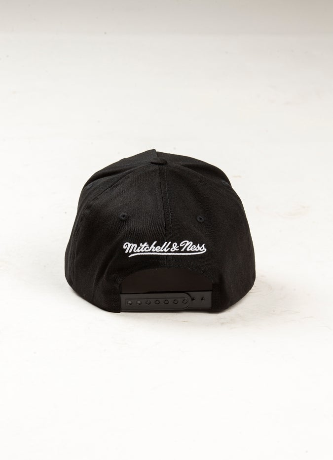 Mitchell & Ness NBA Brooklyn Nets 110 B&W Logo Snapback Cap