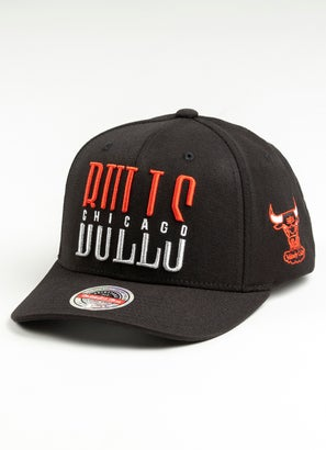 Mitchell & Ness NBA Chicago Bulls Word Stack Classic Cap