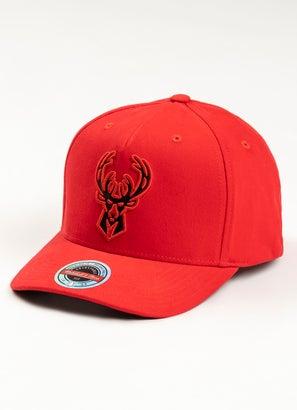 Mitchell & Ness NBA Milwaukee Bucks 110 Snapback Cap