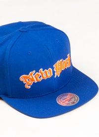 Mitchell & Ness NBA New York Knicks Old English Faded Snapback Cap