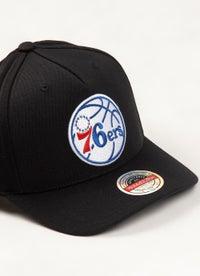Mitchell & Ness NBA Philadelphia 76ers Classic Red 110 Snapback Cap