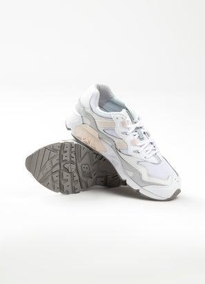 New Balance 850 Shoes - Womens