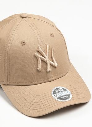 New Era 940 MLB New York Yankees Strapback Cap