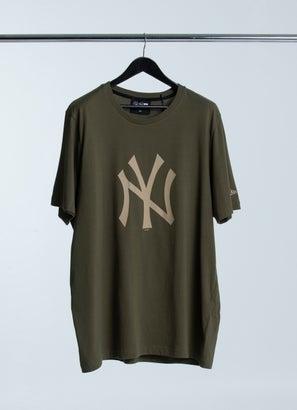 New Era MLB New York Yankees T-Shirt - Plus Size