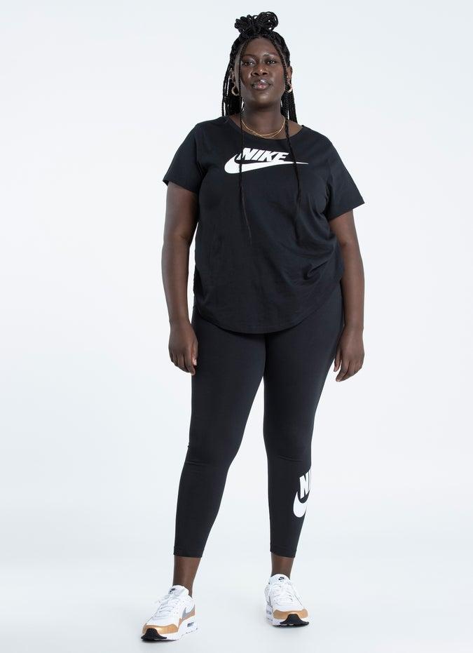 Nike Sportswear Essential Futura Tee - Plus