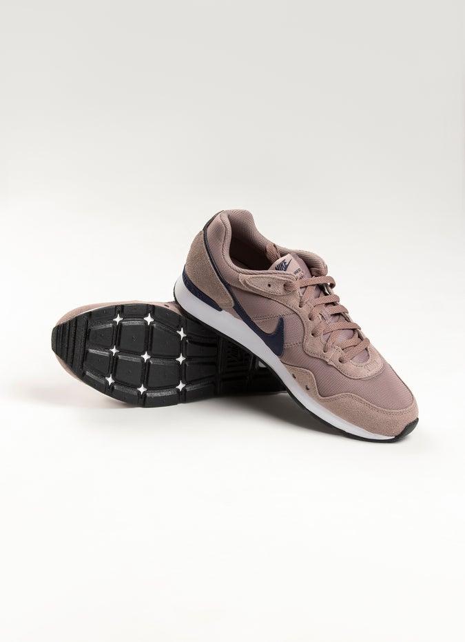 Nike Venture Runner Shoe